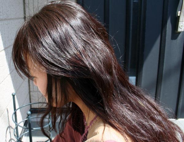 ヘナ100%でやや赤っぽく発色