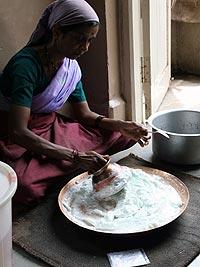 シャタドゥルタグルタはインド伝統の補湿クリーム